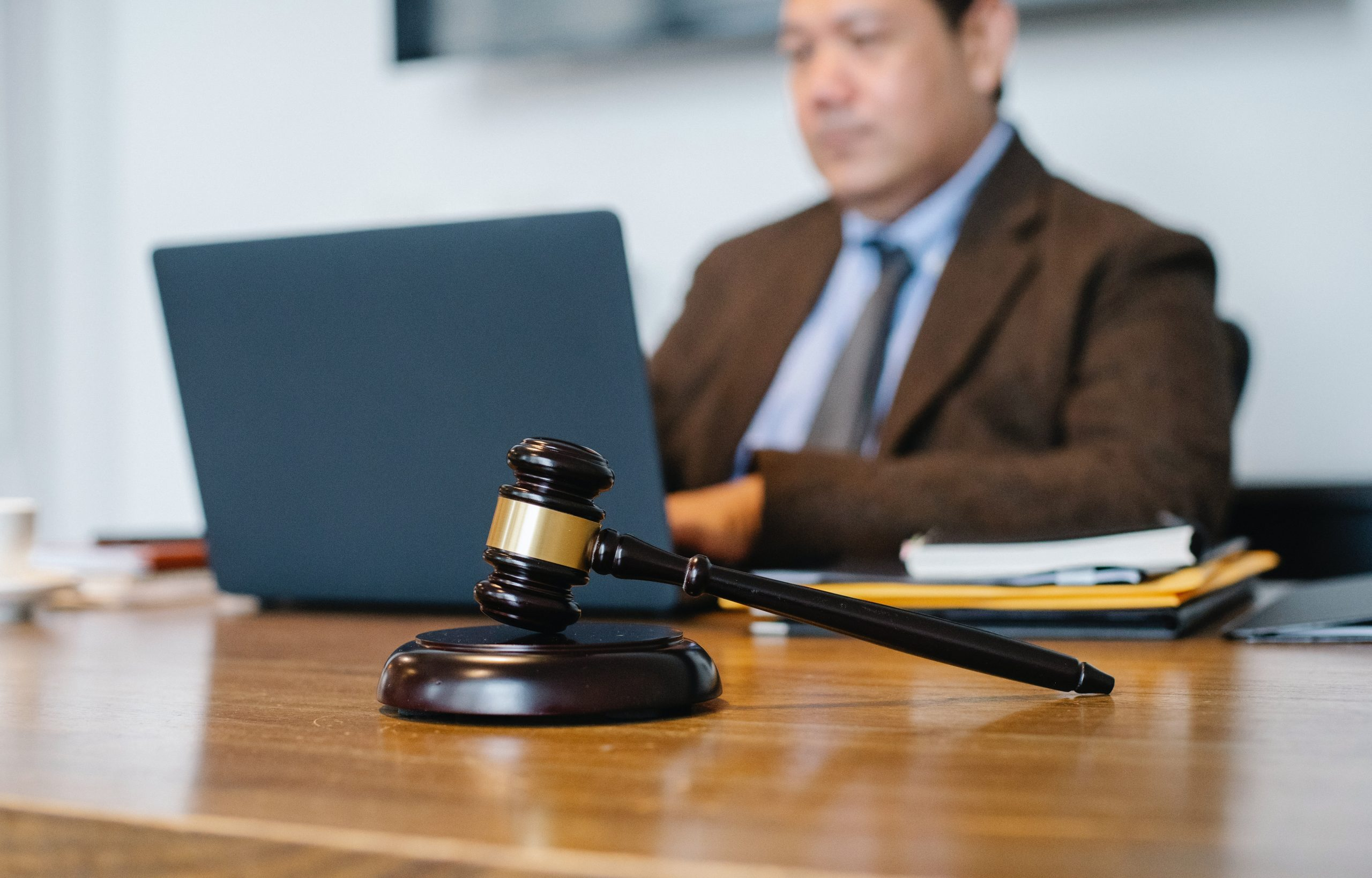 Advantages of Using Asynchronous Activities for Online Mock Jury Trials